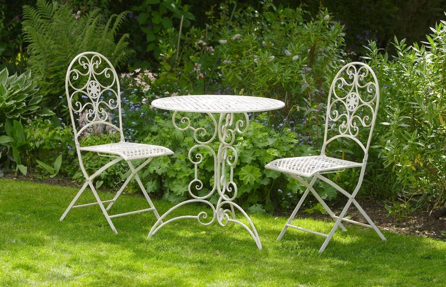 Three Piece White Bistro Set / York