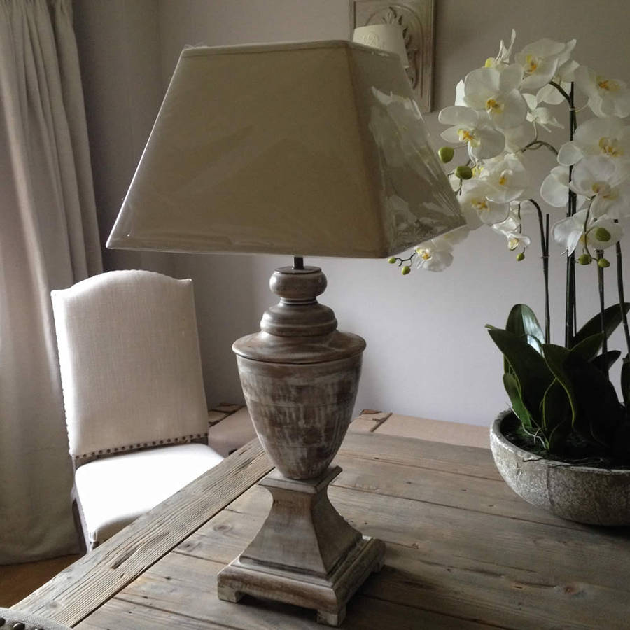 Elegant Wooden Urn Shaped Table Lamp With White Wash By
