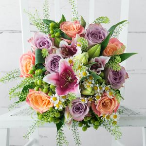 Nutmeg Fresh Flowers Bouquet - fresh flowers