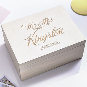 Large Personalised Elegant Wedding Keepsake Box - 5th anniversary: wood