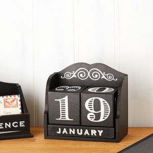 Black Wooden Desk Calendar