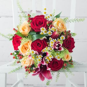 Honeycomb Fresh Flowers Bouquet