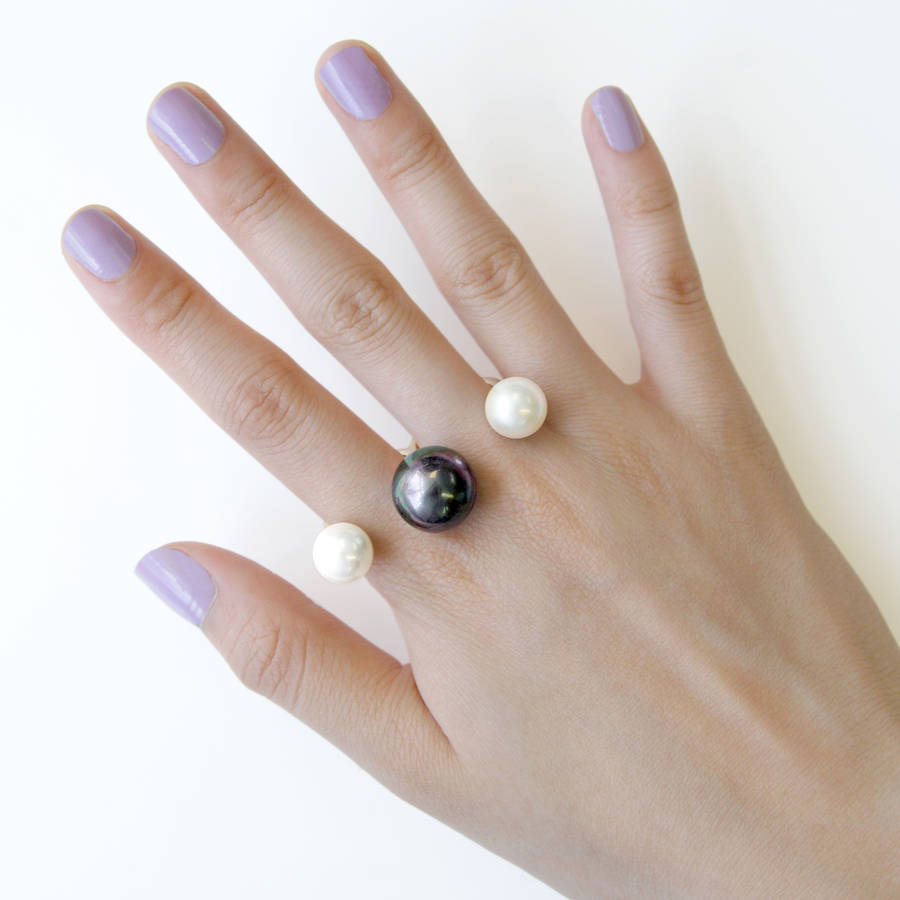 Peacock And Pearl Double Finger Sphere Ring