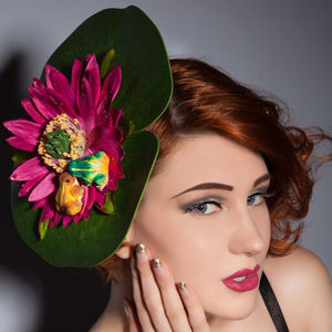 Lily Pad Fascinator With Kissing Frogs
