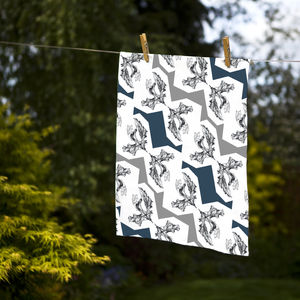 Crunchy Leaf Tea Towel - kitchen